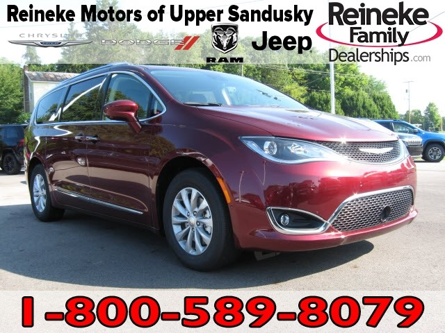 New 2019 CHRYSLER Pacifica Touring L w/ Navigation