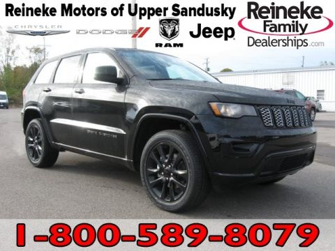 New 2019 JEEP Grand Cherokee 4X4 Laredo w/ Nav & Altitude P