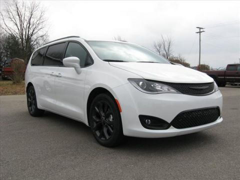 New 2020 CHRYSLER Pacifica Touring L w/ S Apperance Pkg